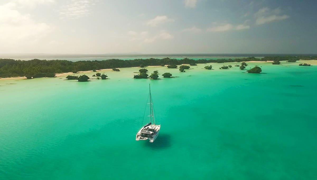 Author Liz Alden shares her experiences long-term sailing, self-publishing, & more
