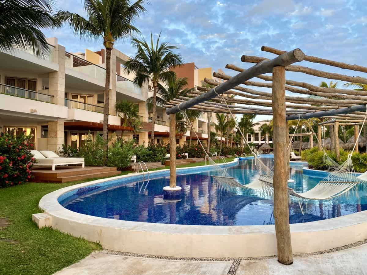 Detailed review of LeBlanc Cancun vs. Excellence Playa Mujeres - the grounds at EPM were gorgeous