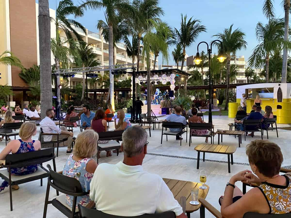 Detailed review of LeBlanc Cancun vs. Excellence Playa Mujeres - live music every night at EPM