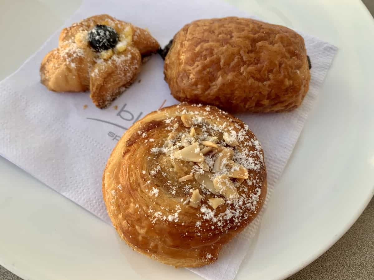 Detailed review of LeBlanc vs. EPM - the pastries at LeBlanc were great
