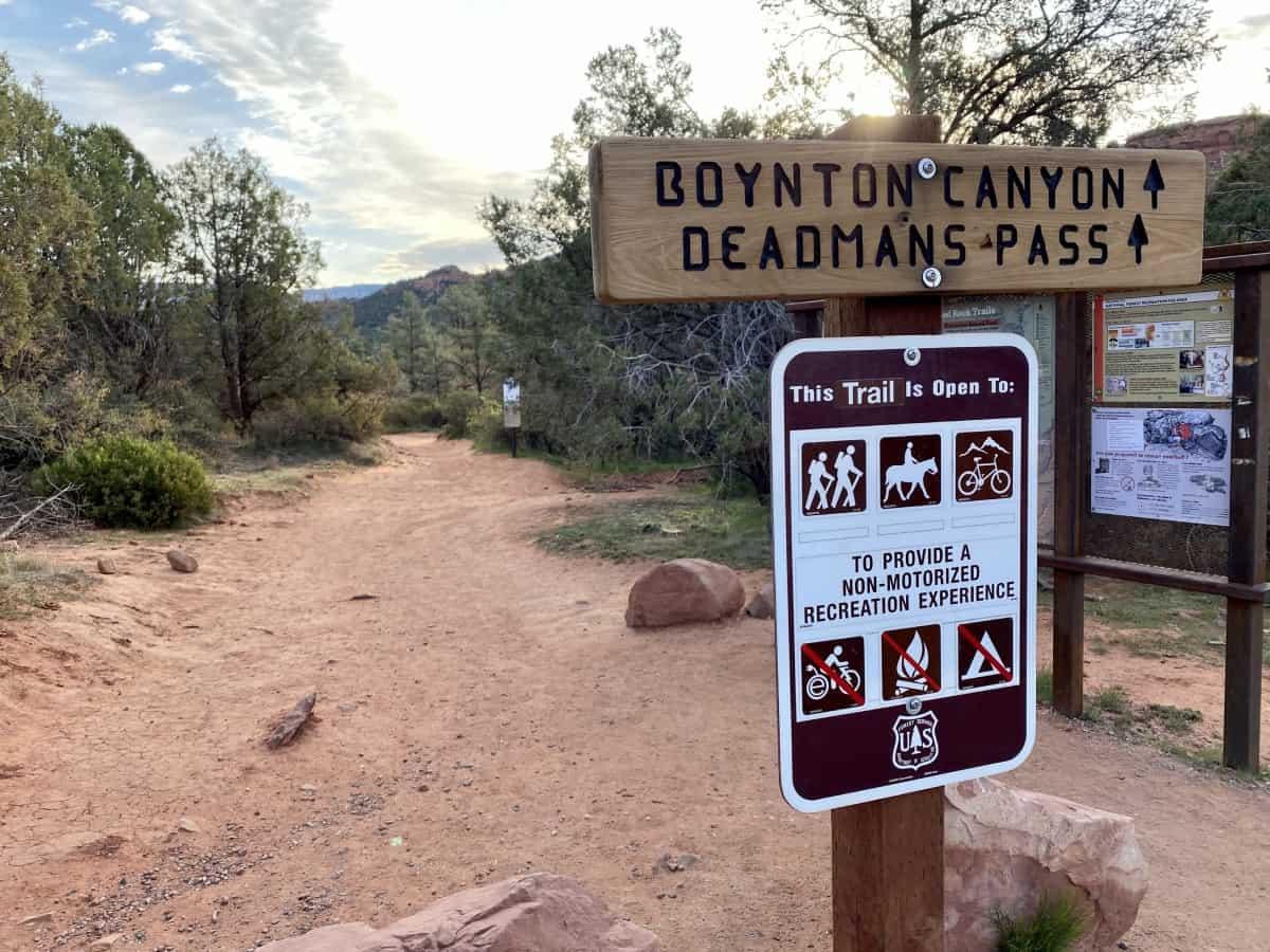 How to hike Kachina Woman, an easy Sedona hike (& perfect for sunrise) in Boynton Canyon